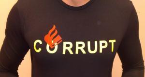 Tshirt 'Corrupt met politielogo', goed voor 170 euro boete