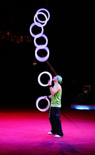 370px-Dany_Reyes_juggler
